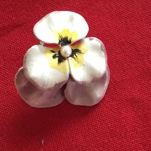 Jewelry - Hand painted flowers metal pin brooch VTG pansy